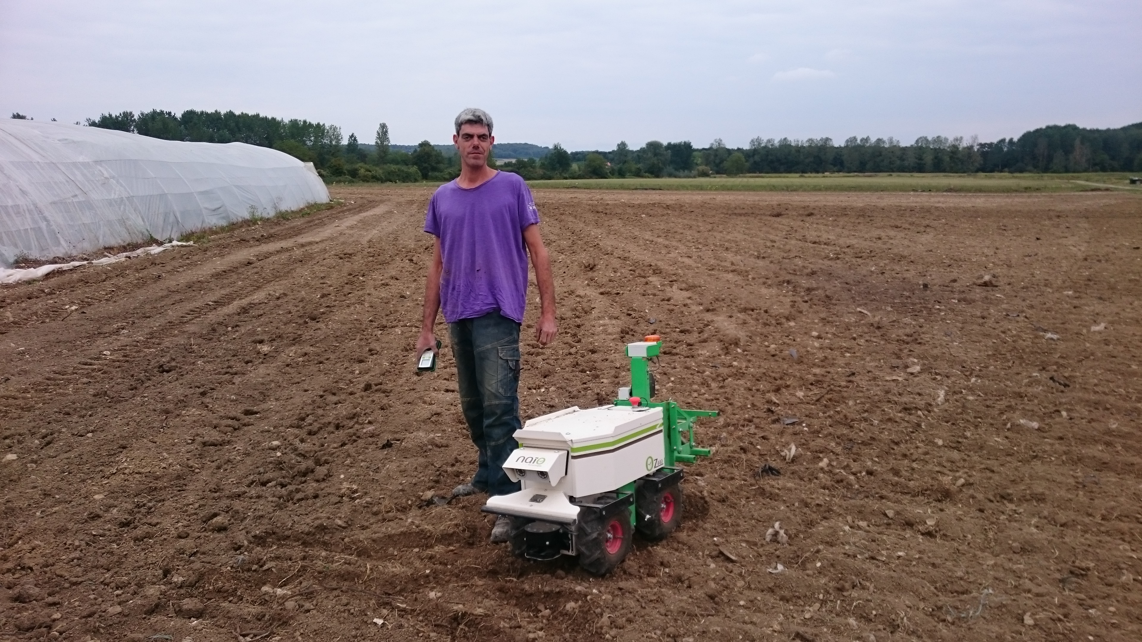 Jardins de Purnaud - Robot Désherbeur Oz - Naïo Technologies 2